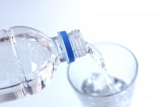 こまめな水分補給で、熱中症対策を!